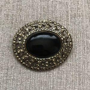 Jewelry - Vintage Brooch